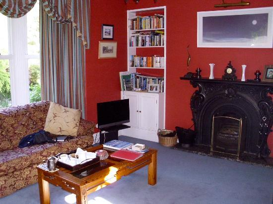 Moss Cottage: Guest Lounge