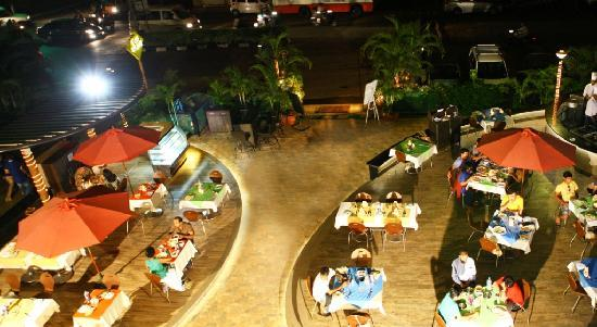 Hotel Calangute Towers: Eat Street Restaurant