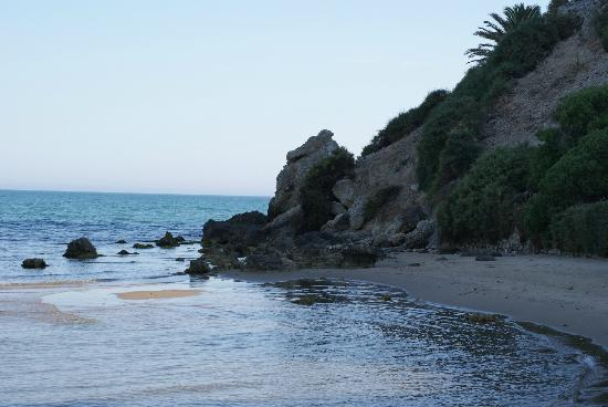 Butera, Italie : Scorcio di scogliera sulla spiaggia