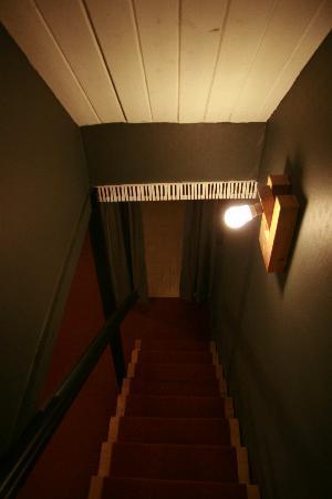 Sax Hostel: Staircase