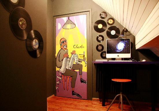 Sax Hostel: Computer corner