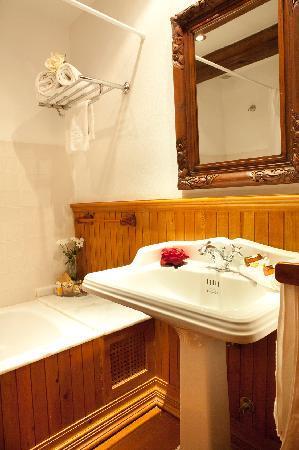 Hotel Abaco Altea: Quarto de baño Habana