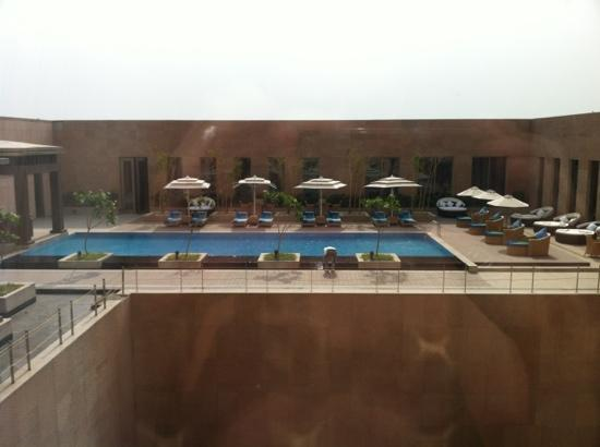 Radisson Blu Hotel Amritsar: view of pool from room