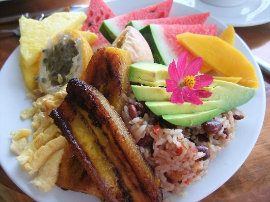 Casa Chameleon Hotel Mal Pais: Traditional Costa Rican Breakfast