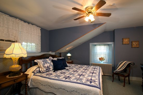 Maxwell Creek Inn Bed & Breakfast: Elizabeth Swales Room
