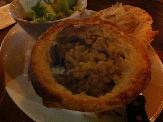 Buderim Tavern: dry mornay pie