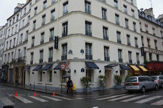 Hotel Bastille Speria: A rainy day in the Marais