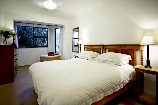 Clovelly Lodge Guest Apartments: Beds are either kings or twin singles