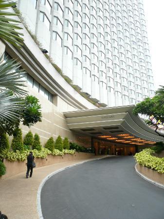 Shangri-La Hotel, Bangkok: entrata principale