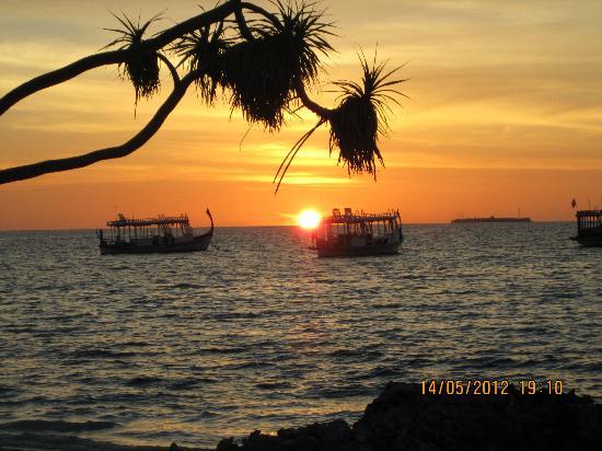 دياموندز أثوروجا بيتش آند ووتر فيلاز: Sunset