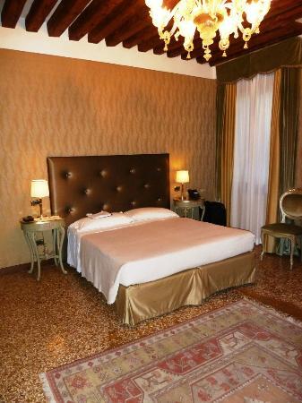 Al Ponte Antico Hotel : Zimmer