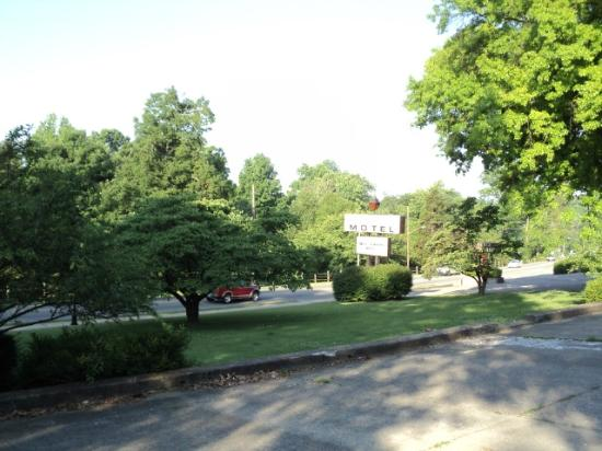 Bardstown Parkview Motel: Outside View 2