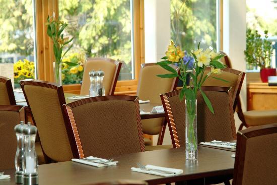 Laichmoray Hotel Restaurant: Garden Room