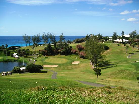 Ocean View Golf Course: sweeping slopes toward southshore