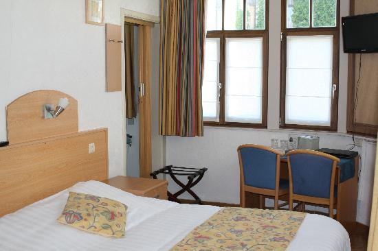 Hotel Montana: view of a double room