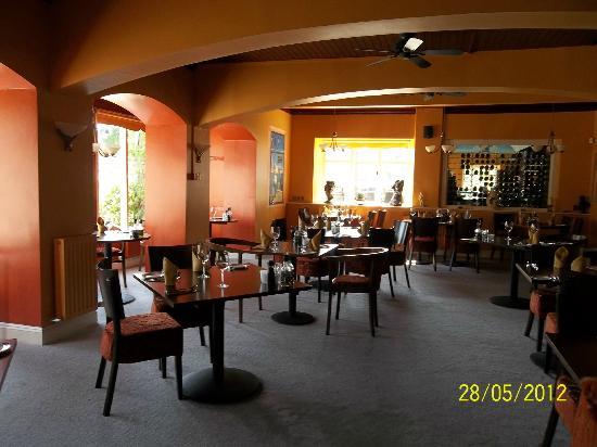 Luca's Ristorante: Inside