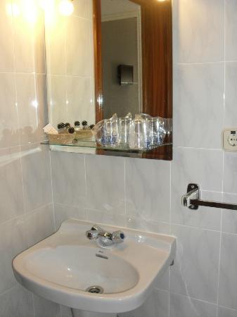 Hostal Veracruz II: Bathroom / Casa de banho