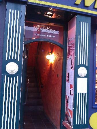 cristina restaurant: Entry