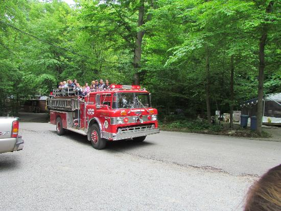 Yogi Bear's Jellystone Park: Fire truck rides