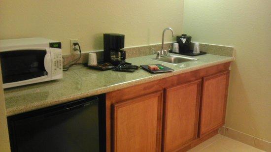 Best Western Plus Georgetown Inn & Suites: Kitchen