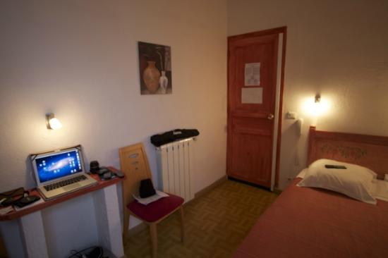 Hotel Le Commerce: Room 4