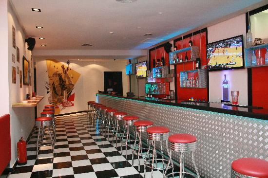 Jackrabbit Slim's: One of the longest bars in Casablanca