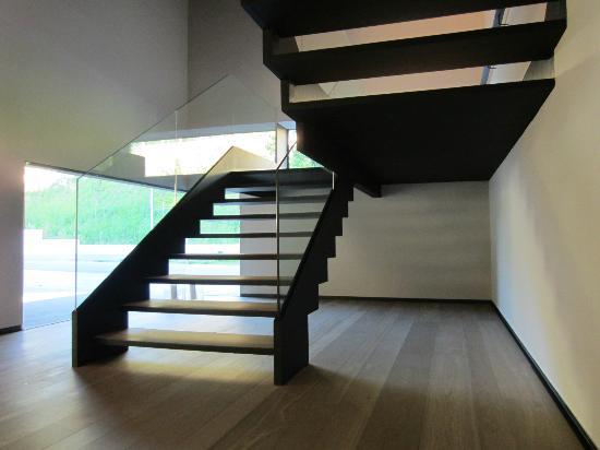 Alma Pamplona Muga de Beloso: Stairs