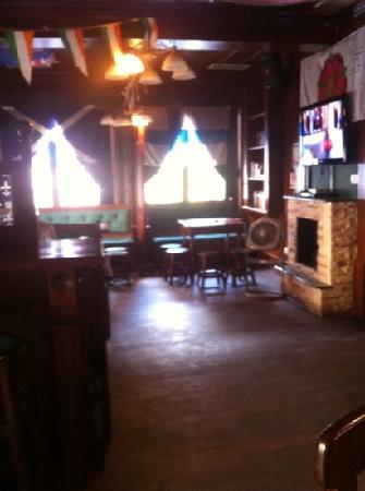 Paddy O'Brien's Irish Pub: Paddy's restaurant interior.