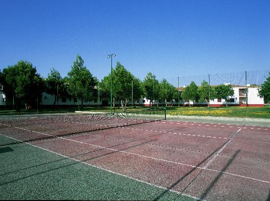 Parador de Albacete: pista de tenis