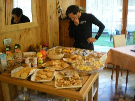 Hotel Residence La Val: Colazione