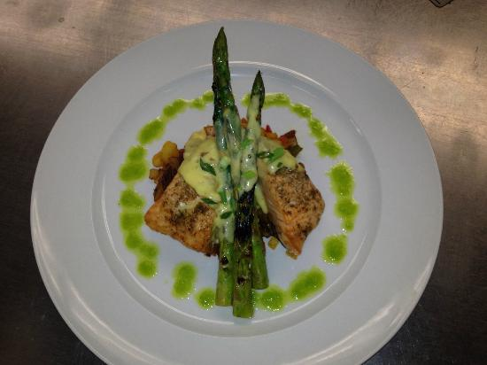 Drift Away : Grilled salmon with a root vegetable hash, griled asparagus, and bacon hollandaise sauce