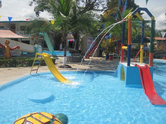 Hotel Hong Kong: piscina para los chicos!