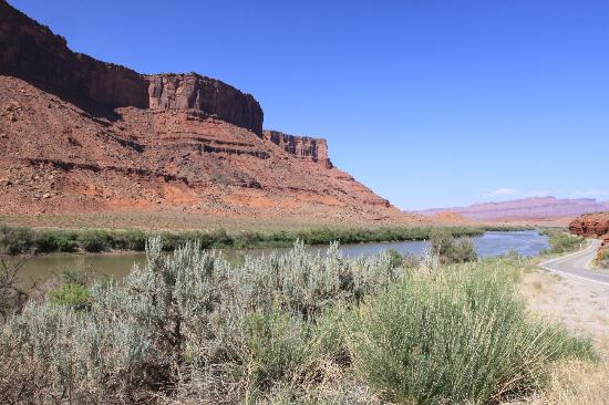 Colorado Riverway Recreation Area: stunning vistas abound