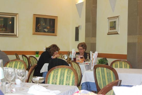Ristorante Il Gabbiano: Gastzimmer