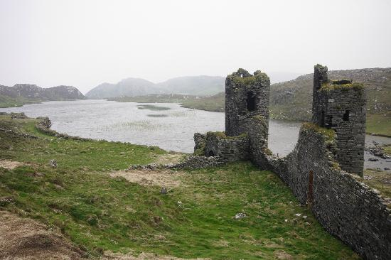Three Castle Head : Looking across the lake