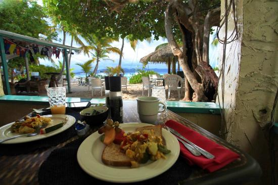 Sandcastle Hotel: Breakfast with a view