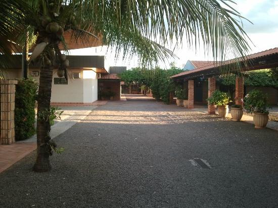 Roman Villa Park Hotel: área externa