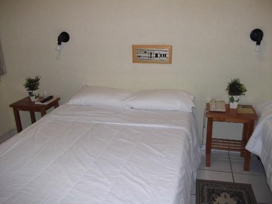 Roman Villa Park Hotel: cama casal luxo