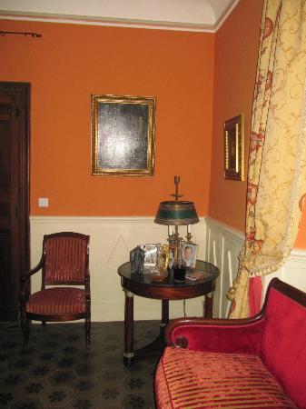 PETIT SALON , MAGNIFIQUE - Picture of Chateau du Grand ...