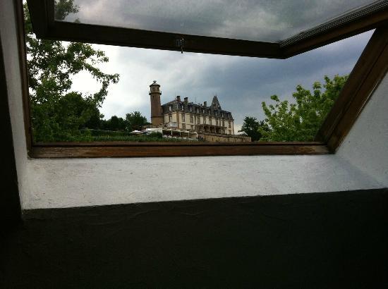 Hostellerie a la Ville de Lyon : Aussicht auf ein sehr gutes Hotel