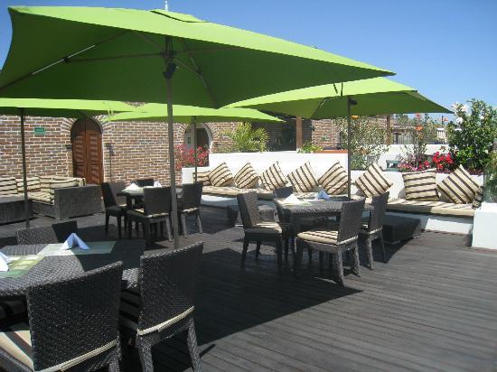Guaycura Boutique Hotel Beach Club & Spa: Hamburguesas muy ricas en la terraza.
