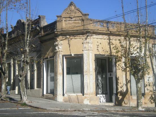 Avenida General Flores: Casona