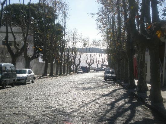 Avenida General Flores: Vista al Río