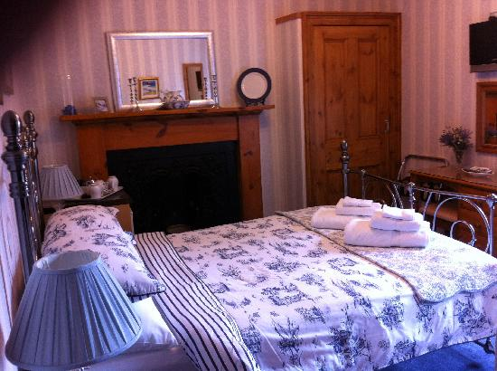 Dionard Guest House: Room 3