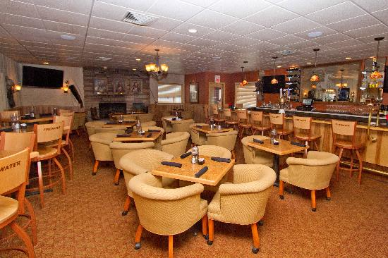 Trails End Motel Sheridan: Firewater Bar and Lounge