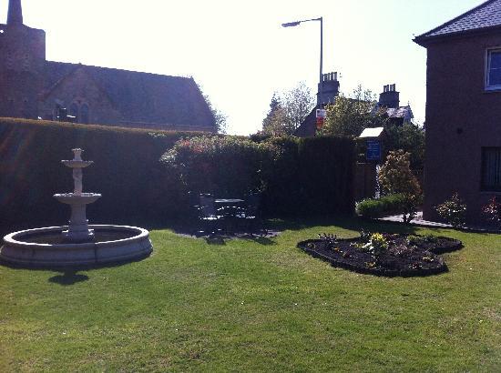 Dionard Guest House: garden