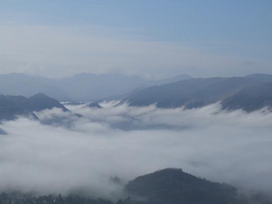 Sandon Guest House: Inversion over Derwentwater