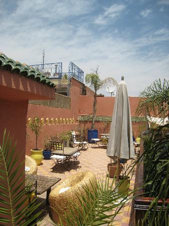 Riad Soleil: roof top terrace