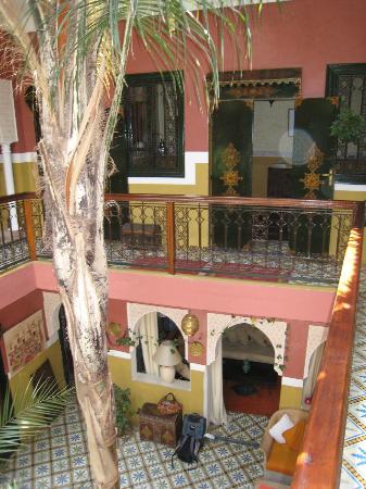 Riad Soleil: 1st floor courtyard