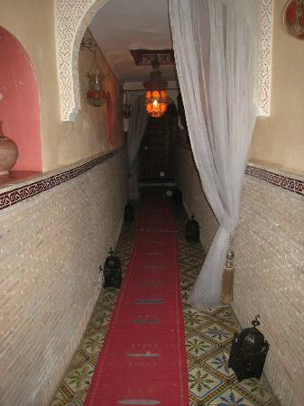 Riad Soleil: entrance hall